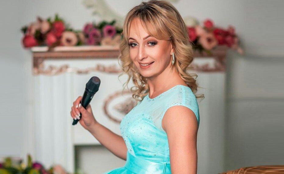 Елена Лисицына- ведущая и организатор свадеб, праздников в Старице